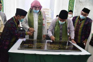 Herman Deru Resmikan Masjid At-Thoriq Mardhotillah
