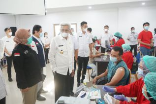 Mawardi Yahya : Vaksinasi  Benteng   Pertahanan Tubuh Terhadap Virus Corona
